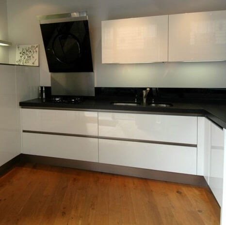 Black Absolute Granite Polished Finished Kitchen Worktop, London Ealing, W5 Cedar Grove